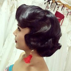 Retro Wedding Hairstyle for Shoulder Length Hair