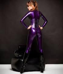 Alexandra Potter v supersexy fialovem la Sexy Latex, Latex Babe, Alexandra Potter, Ballet Boots, Ballet Heels, Mode Latex, Sexy Boots, Latex Fashion, Gothic Lolita
