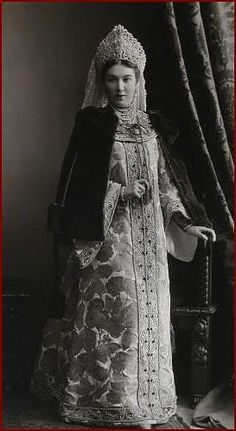russian aristocrats in old-time cloth