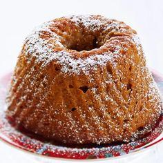 Viikuna-piimäkakku | Leivonnaiset | Yhteishyvä Fruit Bread, Baked Donuts, Little Cakes, Trifle, Coffee Cake, Deli, Bagel, Sweet Recipes, Food And Drink