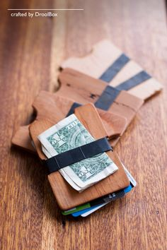 Awesome wooden wallets made by my friend Travis! My husband has one and LOVES it!  RECLAIMED WOODEN WALLET // TheTwin