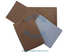 Bloco Reciclado eco 203. Bloco de Anotações confeccionado com capa de papel reciclado de saco de cimento e as folhas do miolo em papel reciclado industrial. Dimensão do Bloco: A5 - 14,8 x 21 cm. Incluso: 01 cor de impressão na capa do Bloco. Cores adicionais, favor consultar. Obs.: As cores poderão sofrer distorções na aplicação, devido à tonalidade do papel.
