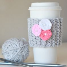 Video tutorial on how to make this cute & easy coffee cup cozy