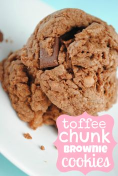 Toffee Chunk Brownie Cookies on MyRecipeMagic.com #cookies #brownie #toffee #chunk