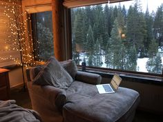 A cozy morning place Design Cozy Couch, Cozy Aesthetic, Autumn Cozy, Cozy Cabin, Cozy Place, Cabin Homes, Living Room Inspiration, Design Inspiration, My Dream Home
