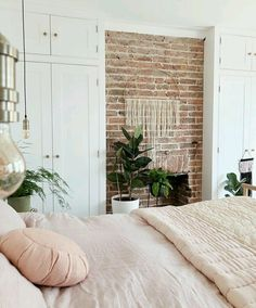 Images and videos of home decor - – A mix of mid-century modern, bohemian, and industrial interior style. Home and apartment decor, - Bedroom Inspo, Bedroom Colors, Home Decor Bedroom, Living Room Decor, Diy Bedroom, Design Bedroom, Bedroom Rustic, Bedroom Ideas, Bedroom Storage
