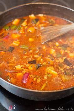 Rinder-Rouladen {klassiker}   lecker macht laune Curry, Food And Drink, Ethnic Recipes, Schnitzel Recipes, Chef Recipes, Yummy Food, Food And Drinks, Curries