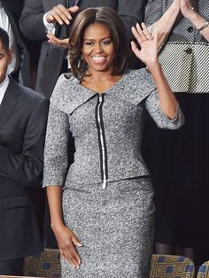 The First Lady appears to have worn the same Michael Kors suit donned by Julianne Margulies on The Good Wife Michelle Obama Biography, Michelle And Barack Obama, African Fashion Dresses, African Dress, Fashion Outfits, Womens Fashion, Michelle Obama Fashion, Suits For Women, Clothes For Women