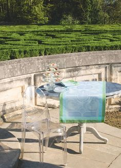 Jardin Royal Blue Fountain