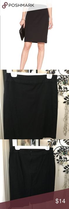 """Banana Republic Bi-stretch pencil skirt 10 black Banana Republic Bi-stretch pencil skirt 10 black Expert tailoring combines with our bi-stretch fabric to instantly refine and sculpt your figure. Banded waist. Invisible back zip. Center back vent. Waist 16"""" Length 21"""" Banana Republic Skirts Pencil"""