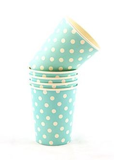 Fellina Sok-Chan: cute as a button porcelain espresso cups with a bamboo tray/saucers Polka Dot Paper, Polka Dots, Deco Table, A Table, Pink Frosting, Blue Party, Green Party, Party Cups, Party Party