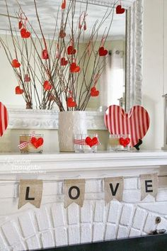 This year I plan on decorating the house for Valentine's Day so I wanted to share some Valentine's Day home decor inspiration that I've found on Pinterest. #valentinesdaydecor #decorinspiration Decor Crafts, Home Crafts, Easy Crafts, Diy Home Decor, Diy And Crafts, Valentines Day Decor Rustic, Valentines Day Decorations, Valentine Day Crafts, Valentine Backdrop