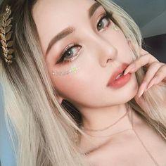 Beautiful Girl like Fashition