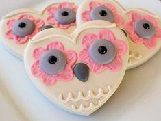 """These cookies are so adorable! ~Susie thecakebar: """" Owl always love u cookies! Owl Cookies, Galletas Cookies, Heart Cookies, Cute Cookies, Yummy Cookies, Cupcake Cookies, Sugar Cookies, Yummy Treats, Sweet Treats"""