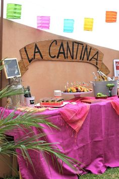 Mariachi Mexican The bar sign can be La cantina Mexican Birthday Parties, Mexican Fiesta Party, Fiesta Theme Party, Taco Party, Festa Party, Snacks Für Party, 50th Birthday Party, Party Themes, Party Ideas
