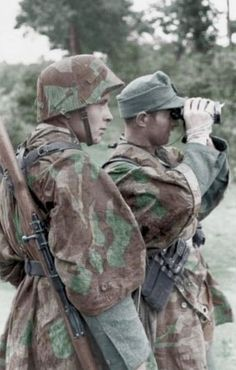 Ww2 • German Soldiers (Paratroopes) observing Enemy, Normandy 1944