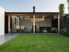 Modern Garden Shed Outdoor Rooms, Outdoor Gardens, Outdoor Living, Outdoor Decor, Terrace Design, Roof Design, Backyard Patio Designs, Backyard Landscaping, Tienda Natural