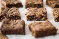 Toffee cinnamon oatmeal cookie bars