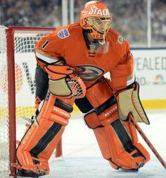 Jonas Hiller, Stadium series uni. Hockey Goalie Gear, Ice Hockey, Craig Anderson, Goalie Pads, Sports Uniforms, Anaheim Ducks, Goalkeeper, Stadium Series, Nhl