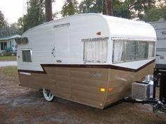 Shasta canned ham vintage travel trailer camper by kara Best Travel Trailers, Vintage Campers Trailers, Retro Campers, Camper Trailers, Vintage Caravans, Vintage Rv, Camper Caravan, Shasta Trailer, Shasta Camper