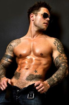 hot tattooed men -