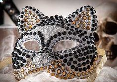 DIY Rhinestone Cat Mask for Halloween