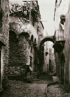 Greek island of Chios, east Aegean sea, Greece Chios Greece, Athens Greece, Greece Architecture, Ancient Architecture, What A Country, History Of Photography, Greece Photography, Greek History, Cityscape Art