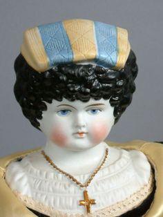 EXTREMELY-RARE-Florentine-Lady-Bonnet-Head-18-Antique-Parian-Bisque-Doll