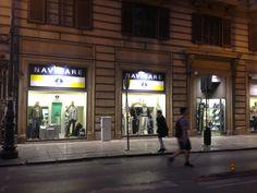 Rodzina Sklepów Navigare powiększa się. Zdjęcia prezentuje nowo otwarty butik w Palermo.
