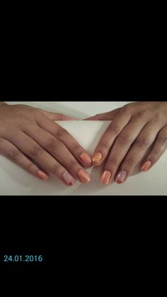 Very easy and Quickly nail art.For this nail art on Nature nails: Contact, delmariesnagelstudio.
