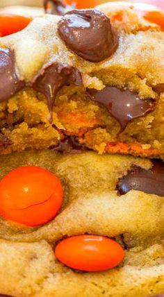 Halloween M&M Chocolate Chip Cookies Chocolate Crinkles, Chocolate Chip Cookies, Halloween Cookies, Halloween Treats, Halloween Party, Homemade Halloween, Halloween Stuff, Halloween Kids, Fall Recipes