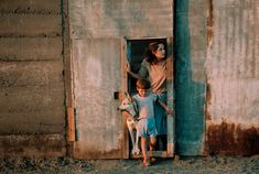 David Alan Harvey CHILE. Santiago. 1987. Poor family. Photography Pics, Amazing Photography, Street Photography, Travel Photography, David Alan Harvey, Environmental Portraits, Magnum Photos, Documentary Photography, Best Photographers