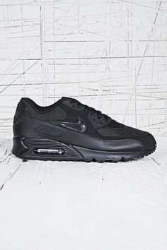 new photos 371ce e0336 Nike Air Max 90 Leather Trainers in Black