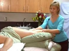 Pregnancy Massage Primer with Carole Osborne: working with a pregnant wo. Lymphatic Massage, Prenatal Massage, Acupressure Massage, Massage Room, Spa Massage, Spa Therapy, Massage Therapy, Fit Pregnancy, Pregnancy Workout