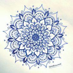 Pin by amal cicatelli on mandala in 2019 mandalas, dibujos c Mandala Art, Tattoos Mandala, Mandala Doodle, Mandalas Painting, Mandalas Drawing, Flower Mandala, Dot Painting, Doodle Art, Body Art Tattoos