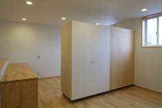 子供スペースと可動式収納(Mハウス) - 子供部屋事例|SUVACO(スバコ)