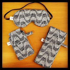 Kit máscara de dormir + porta celular + porta óculos: ótima opção como presentinho de Natal! #kit #presente #natal #presentesdenatal #mascaradedormir #portacelular #portaoculos #copacabana #pb #rj #brasil #produtosartesanais #acessoriosartesanais #FashionArts #artesanatosdamoda #elo7br #elo7 #compredequemfaz #compredopequeno