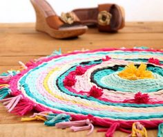Make A Rag Rug From Old T-Shirts