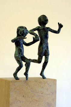 Bronze on ancaster #sculpture by #sculptor Alison Bell titled: 'Splash (Little Small Bronze Children Playing sculptures)'. #AlisonBell