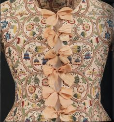 """Embroidered waistcoat, 1615 that has recently returned from loan to 'In Fine Style' exhibition :-)"""" Best Embroidery Machine, Embroidery Fabric, Embroidery Designs, 17th Century Clothing, 17th Century Fashion, 18th Century, Victorian Gown, Victorian Fashion, Historical Costume"""