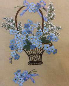 #물망초#느낌자수 #패키지#머리지진남 Embroidery Flowers Pattern, Embroidery Works, Hand Embroidery Stitches, Silk Ribbon Embroidery, Hand Embroidery Designs, Diy Embroidery, Vintage Embroidery, Cross Stitch Embroidery, Swedish Embroidery
