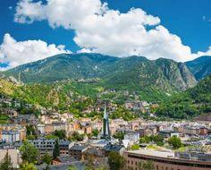 10 PEQUENOS PAÍSES PARA VISITAR EM UM DIA Andorra - Localizado na Cordilheira dos Pirineus, entre a Espanha e a França, o microestado pode ser... - Shutterstock