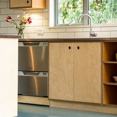 Renovated home with a definite retro feel. Using Birch plywood, lino and stainless steel a kitchen that will be enjoyed for a long time to come Mini Kitchen, Kitchen Reno, New Kitchen, Kitchen Dining, Kitchen Ideas, Recycled Furniture, Plywood Furniture, Furniture Design, Plywood Kitchen