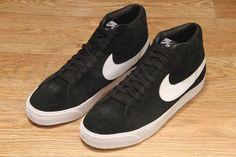 Nike SB Blazer Black / White £64.95
