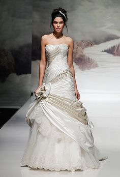 Brides: Ian Stuart - Fall 2015. Wedding dress by Ian Stuart