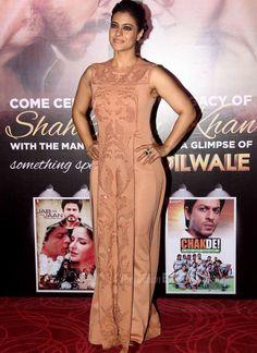 Shah Rukh Khan, Kajol recreate their magic for Dilwale's new trailer launch Kajol Saree, Most Beautiful Bollywood Actress, Indian Goddess, Stylish Girl Pic, Indian Beauty Saree, Saree Dress, Indian Celebrities, Bikini Pictures, Indian Designer Wear