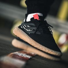 Addidas Sneakers, Casual Sneakers, Adidas Shoes, Sneakers Workout, Chunky Sneakers, Black Sneakers, Running Sneakers, Vans Shoes, Jordans Sneakers