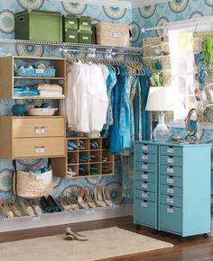 Unique ordnungssystem walk in kleiderschrank blaue dekoration