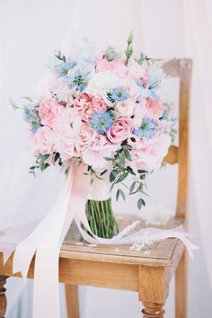 bridal bouquet in shades of rose quartz and serenity blue (pantone trend colors 2016) by TML | TABEA MARIA-LISA