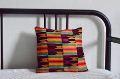 C'est l'hors de mes voyages au Togo que je déniche les tissus dans les marchés vendus par des Nana benz (vendeuses) aux grands sourires généreux puis ensuite je fais coudre ce dont j'ai envie par mon tailleur passionné par son métier. Mon but premier est de favoriser la créativité et Throw Pillows, Etsy, Bed, Alteration Shop, Duvet, Slipcovers, Fabrics, Travel, Toss Pillows
